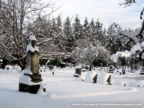 Winter Time in the Salem Pioneer Cemetery